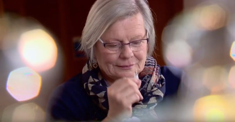 This Woman Can Smell Parkinson's. It Might Help Lead To Earlier Treatment